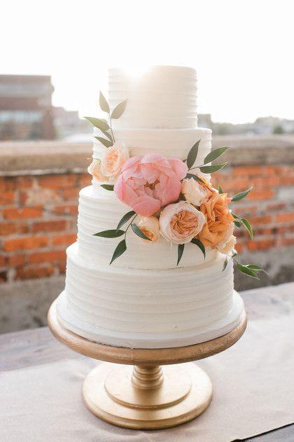 13 Simple Floral Wedding Cakes Photo Pretty Simple Wedding Cake