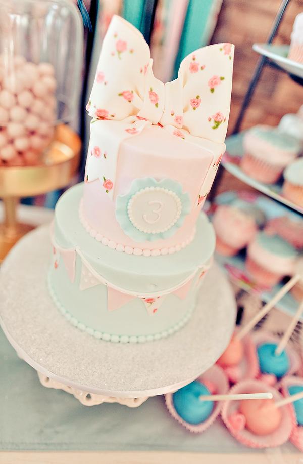 10 Classic Themed Birthday Cakes Photo Vintage Themed Birthday