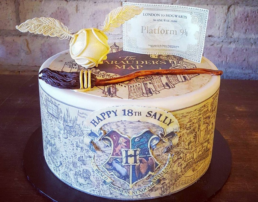 8 Harry Potter Impressive Birthday Cakes Photo