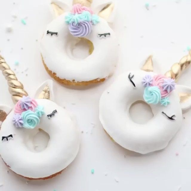 9 Unicorn Birthday Cake And Cupcakes Photo