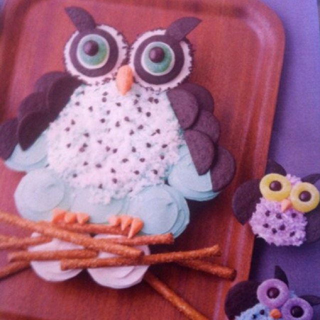 Owl Birthday Cake Made Out Of Cupcakes