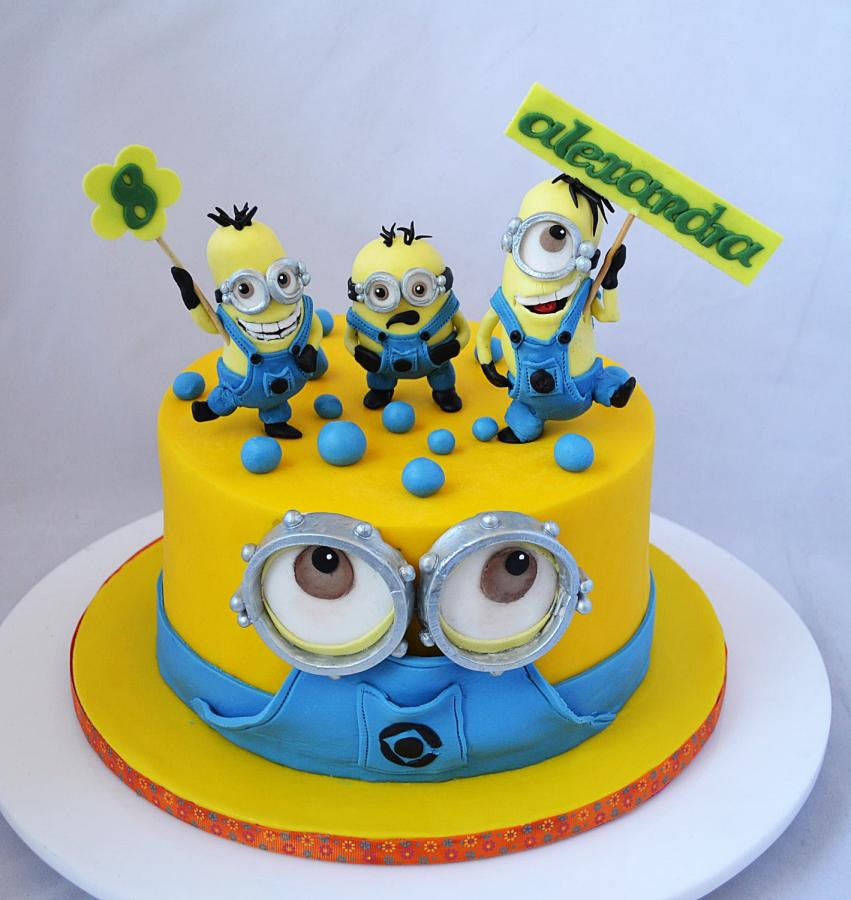11 Minions With Cool Cakes Photo