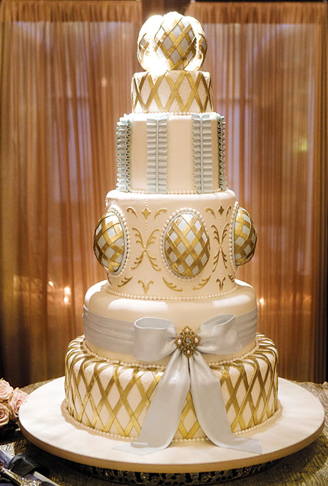 11 White Gold And Brown Cakes Photo - Brown and White Wedding Cake ...