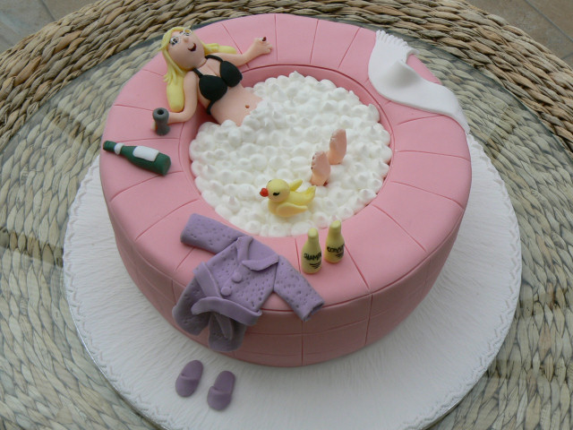 6 Novelty Cakes For Women Photo