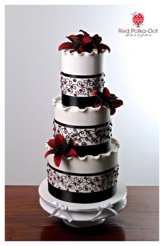 9 Maroon 5 Cakes Photo Maroon And White Wedding Cake Maroon And