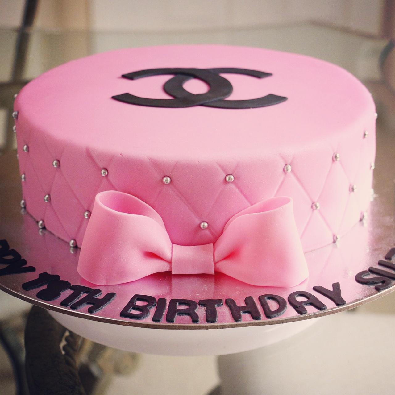 5 Channel Com Wedding Cakes Photo Pink Chanel Birthday Cake
