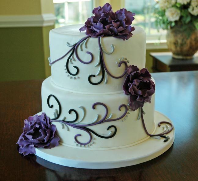 Black And White Wedding Cake With Purple Flowers - Best Wedding Cake ...
