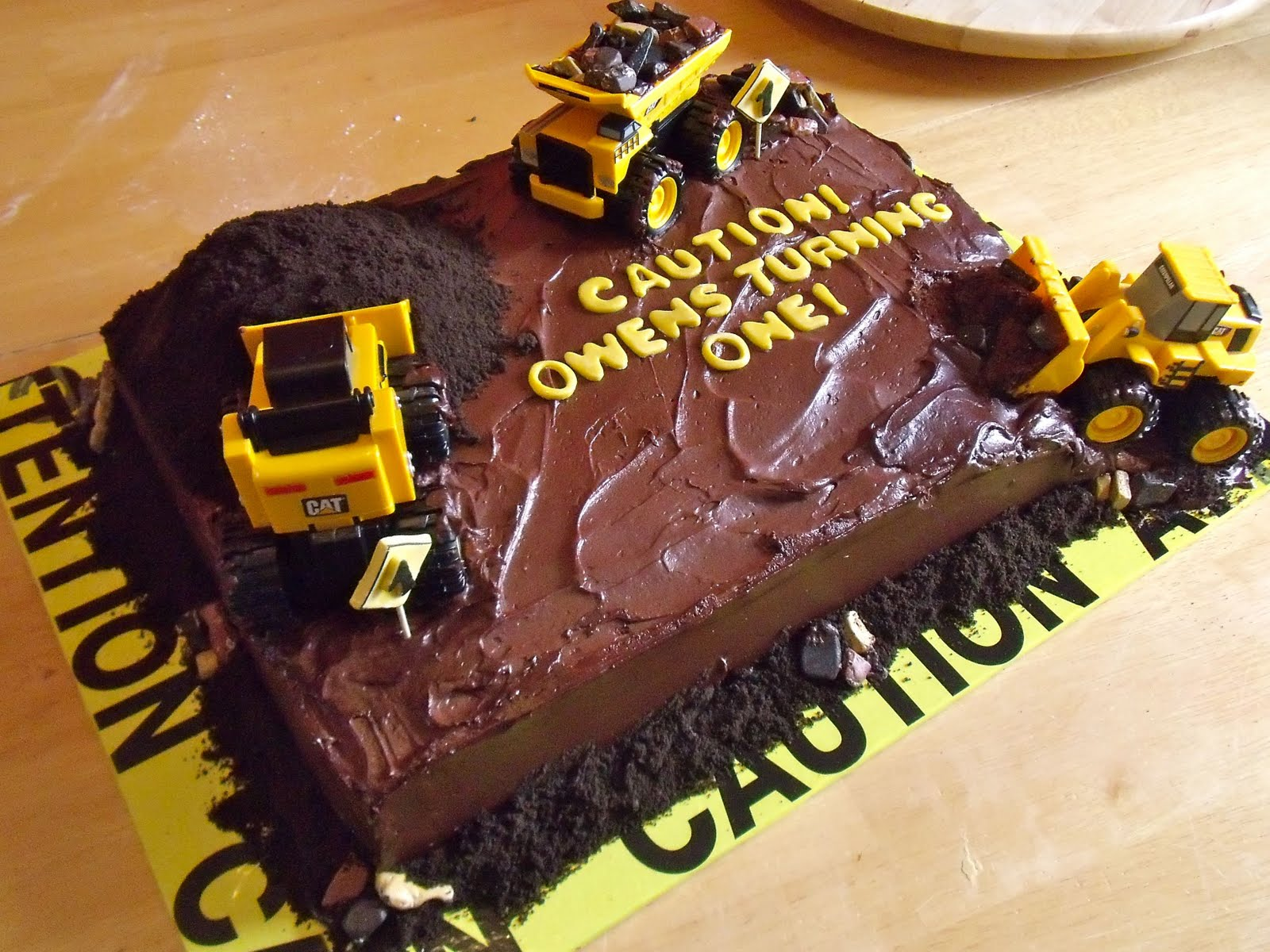 Pleasing 10 Construction Site Cakes For Kids Photo Construction Site Funny Birthday Cards Online Alyptdamsfinfo