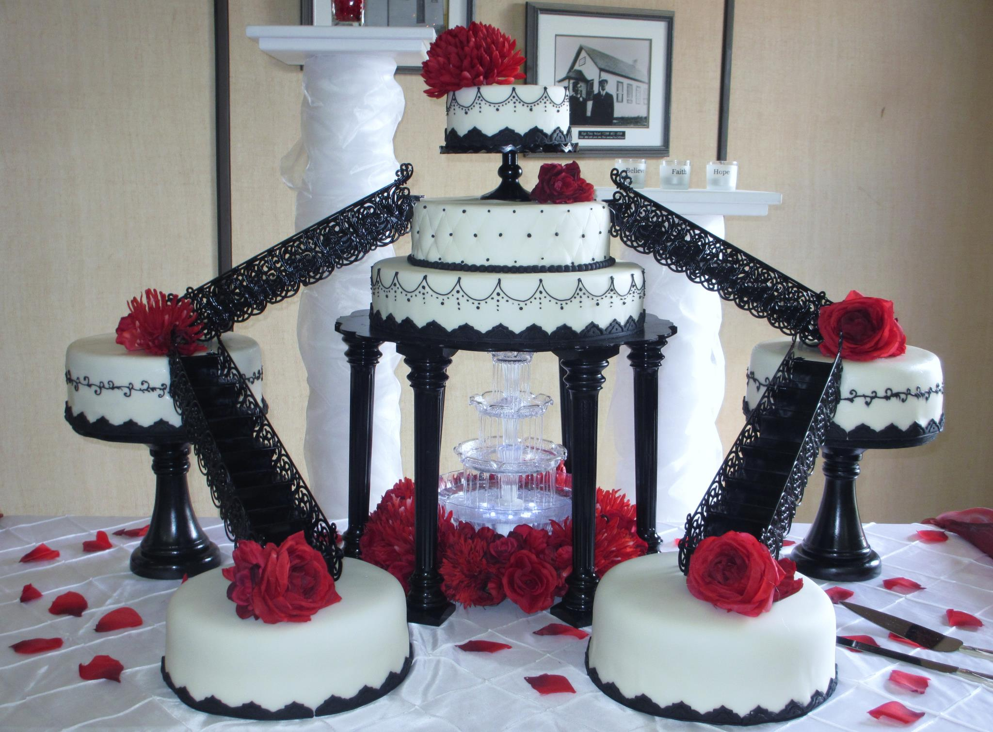 Stunning Red White And Black Wedding Cake Contemporary - Styles ...