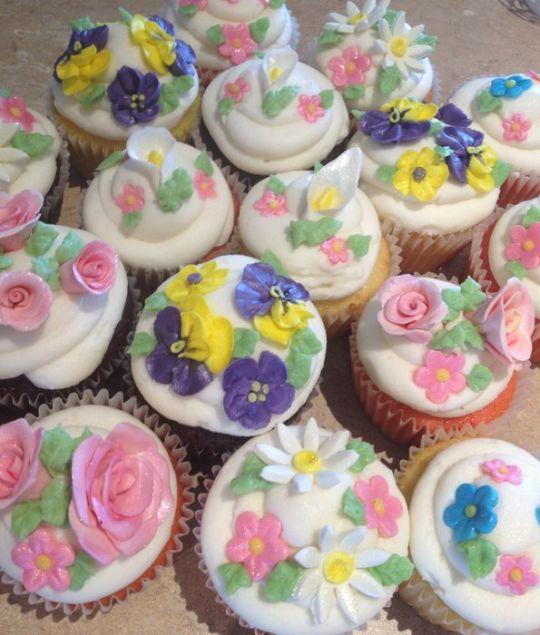 80th Birthday Cupcake Cake