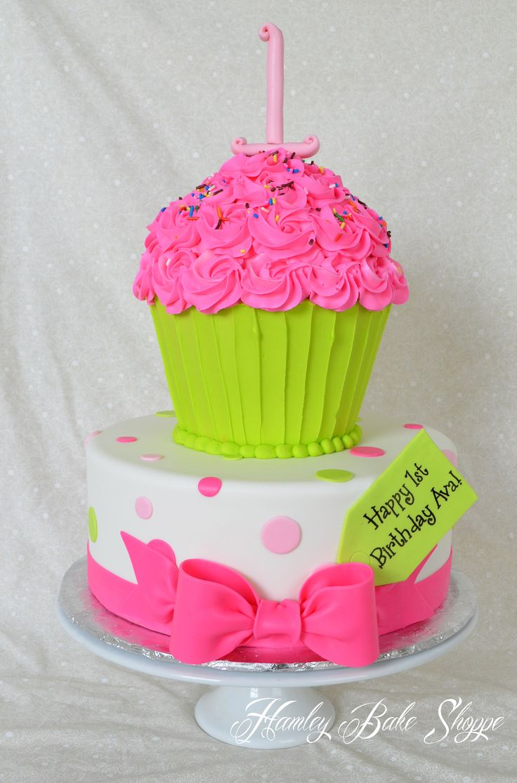 6 Cake With Cupcakes On Top Photo