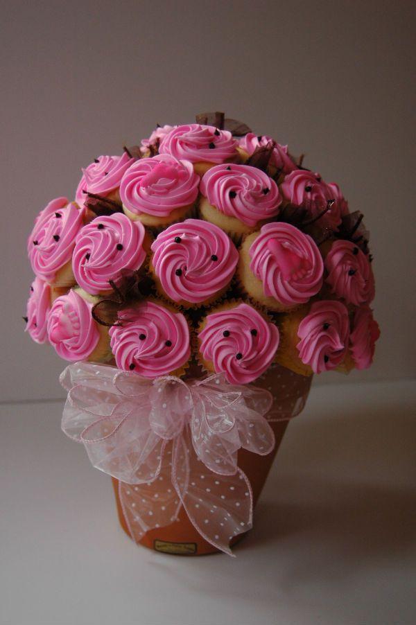 7 Cupcakes Square Pot Bouquet Photo - Flower Pot Cupcake Bouquet ...