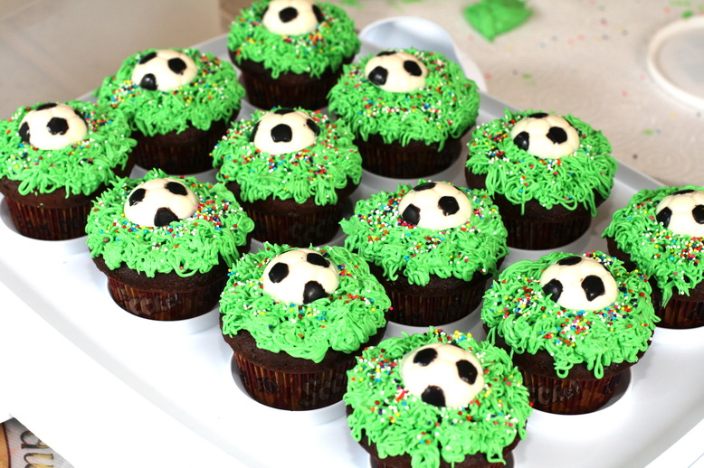 40 Soccer Cupcakes Decorating Ideas Photo Soccer Ball Cake Best Soccer Ball Decorations Cupcakes