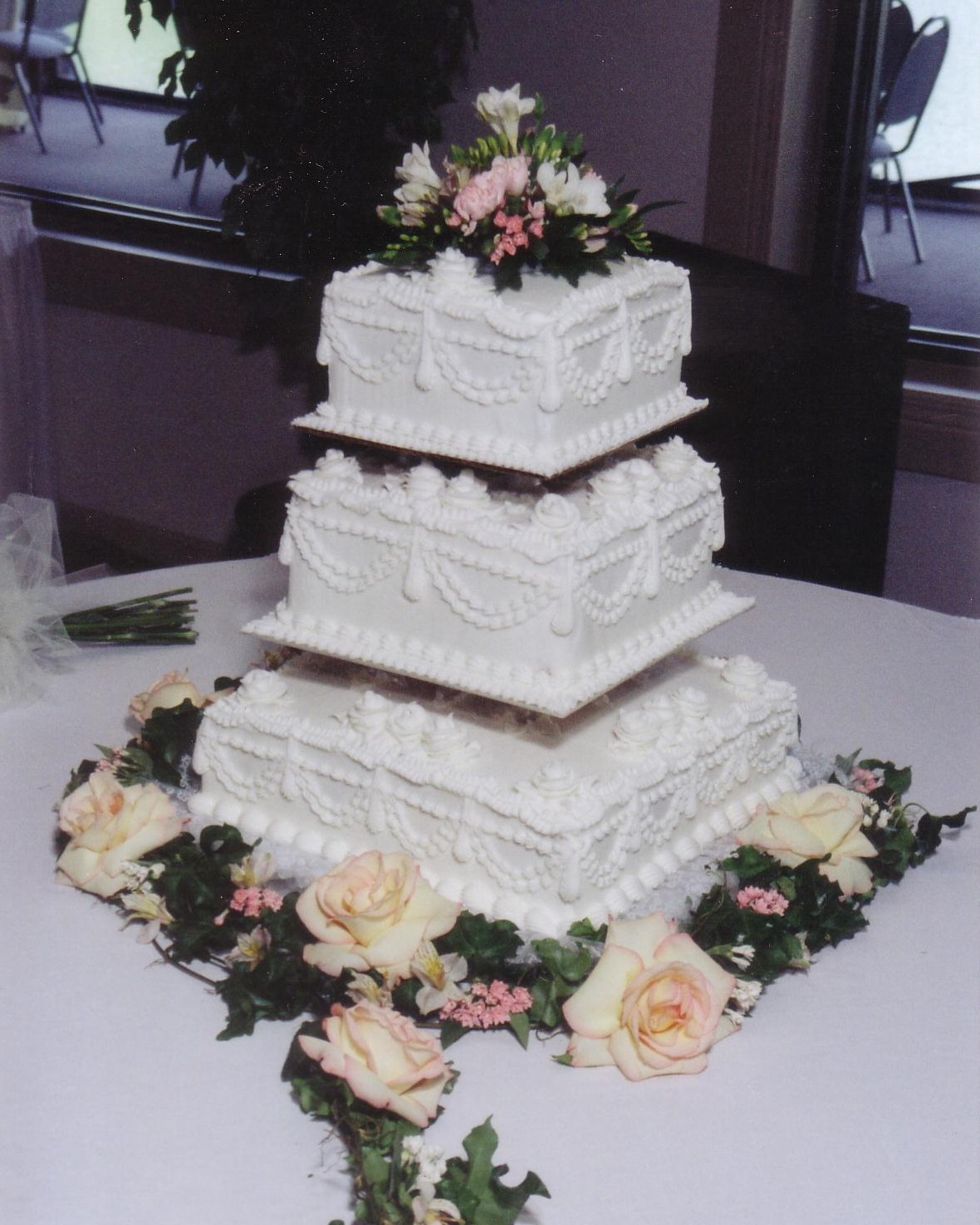 10 Two Tier Square Wedding Cake With Cupcakes Photo - Square Wedding ...