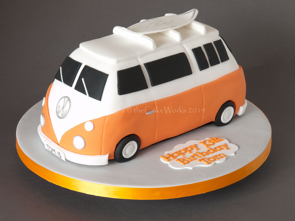 5 Unique Birthday Cakes For Men Car Photo Cars Birthday Cakes For