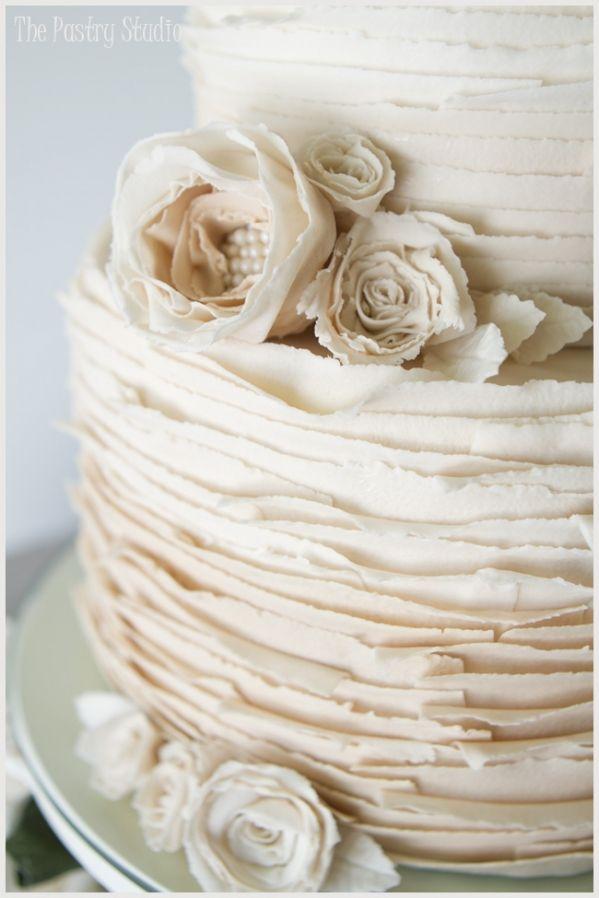 8 Vintage Ruffle Wedding Cakes Photo - Vintage Lace Ruffle Wedding ...