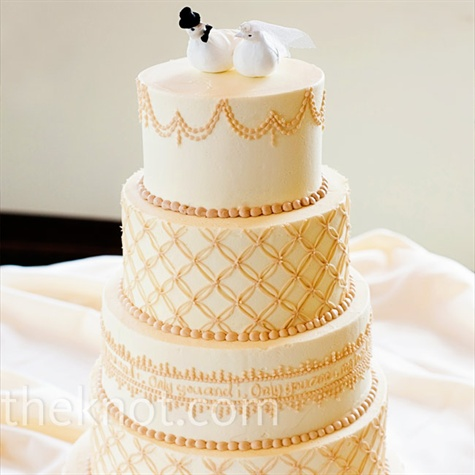 10 Simple Wedding Cakes With Gold Photo Simple Gold Wedding Cake