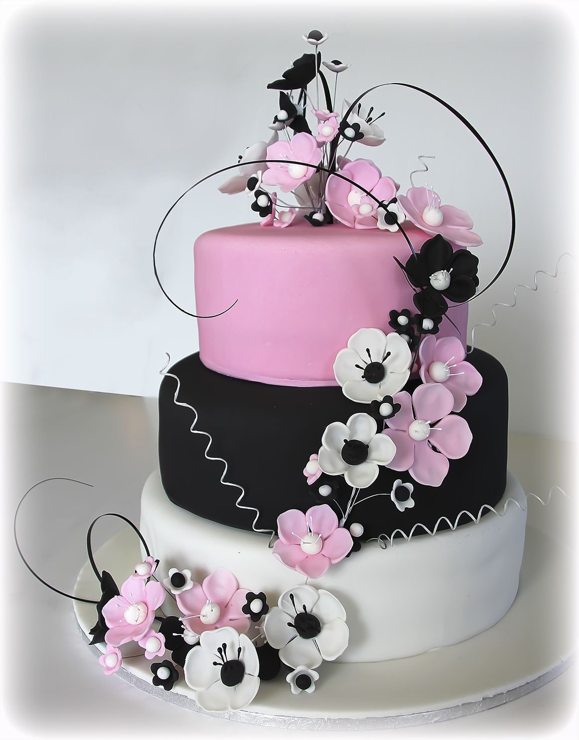 11 Pink Black And White Cakes Photo - Pink Black and White Wedding ...