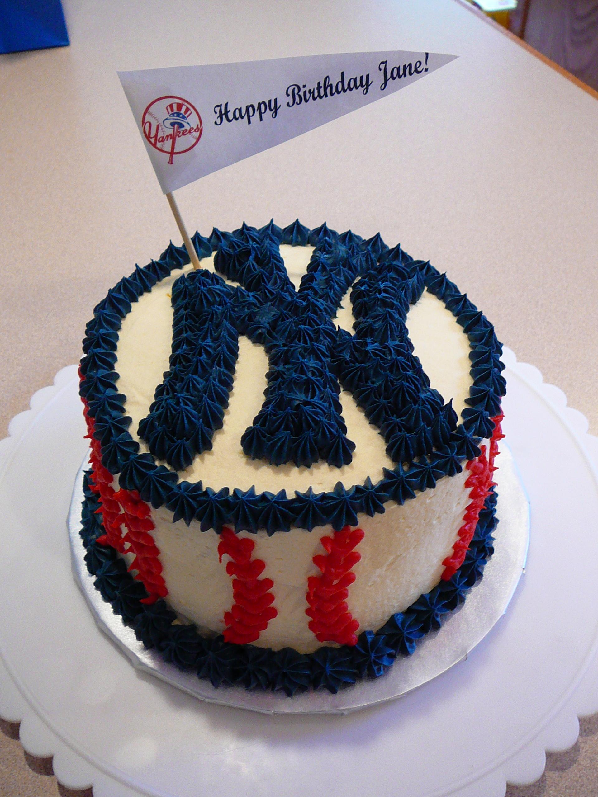 Surprising 10 Ny Yankees Birthday Cakes Photo New York Yankees Birthday Funny Birthday Cards Online Benoljebrpdamsfinfo