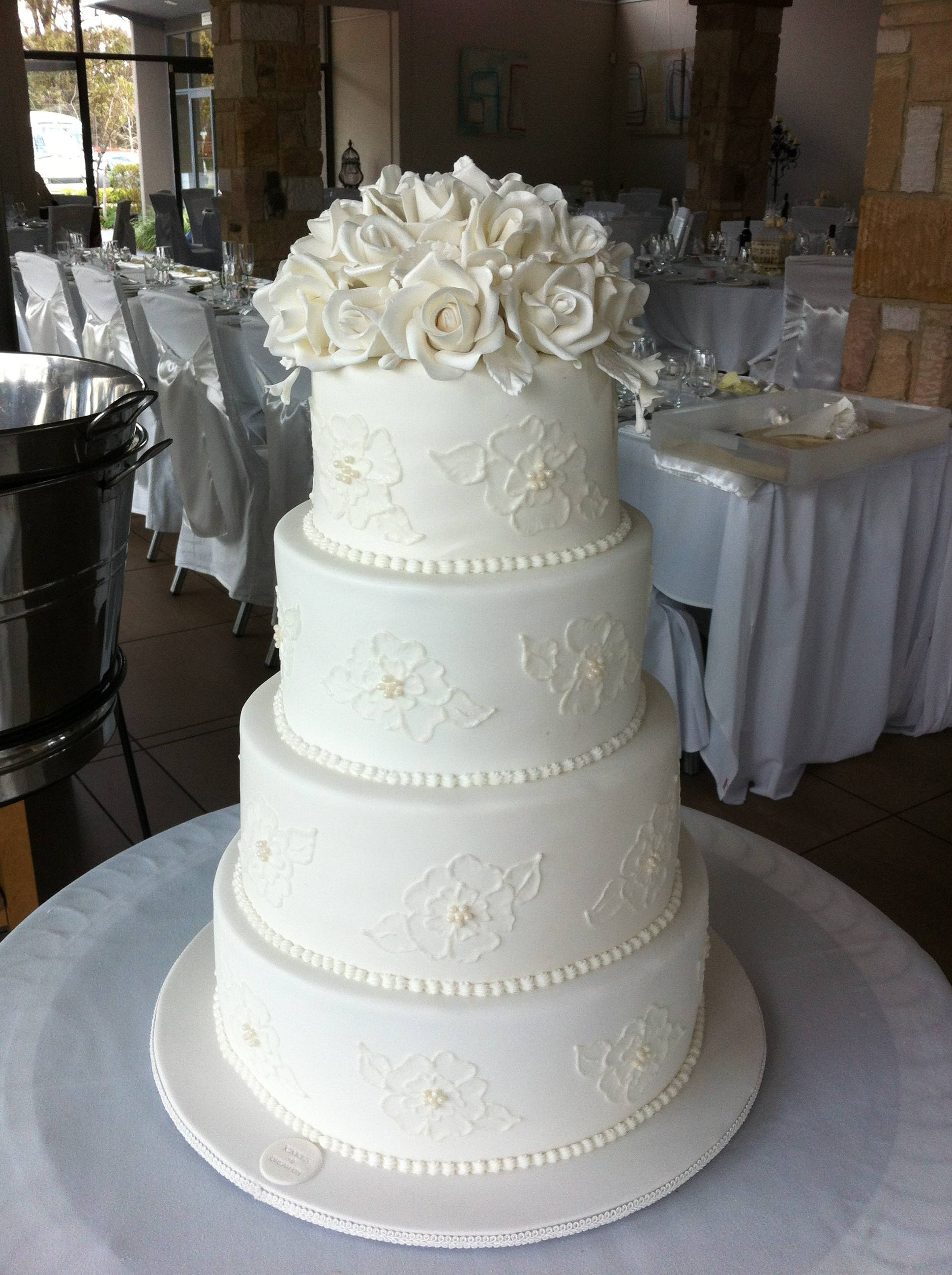 7 4 Tier Wedding Cakes With Lace Photo - 4 Tier Wedding Cake, 4 Tier ...