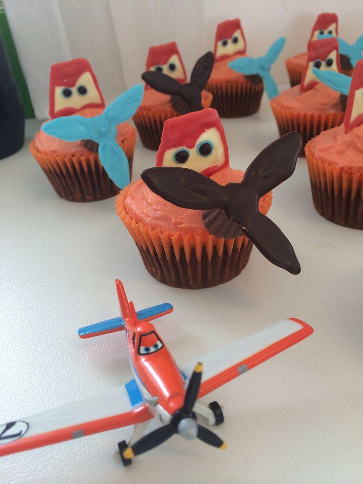 12 Dusty Airplane Cupcakes Ideas Photo Pull Apart Cupcake Cake
