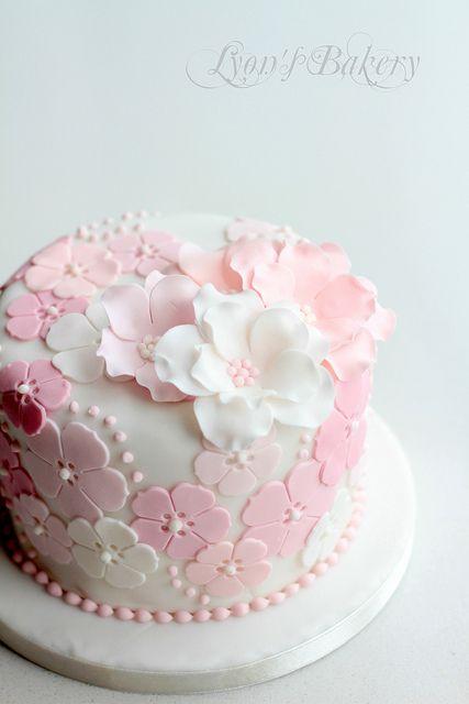 8 Fondant Flower Design Easy Cakes To Go For It Around Photo Cake
