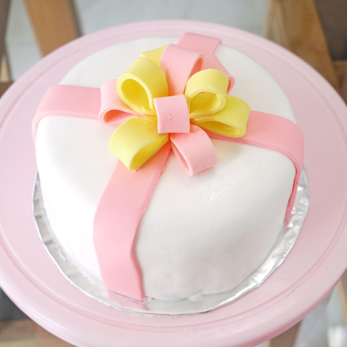8 Fondant Flower Design Easy Cakes To Go For It Around ...