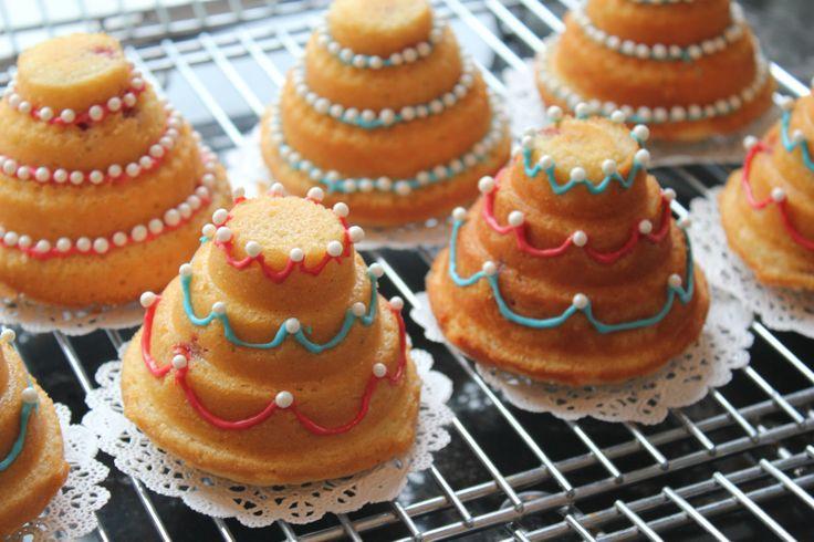8 Decorating Mini Bundt Cakes Photo Mini Bundt Cake Idea