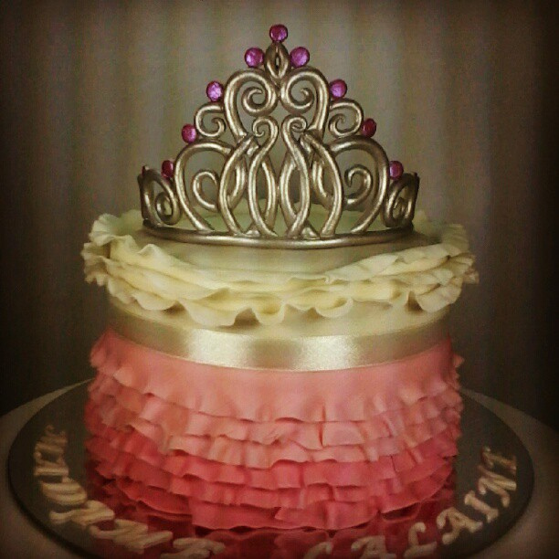 11 Beauty Queen Cakes Photo Beautiful 18th Birthday Cakes For