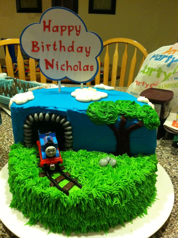 8 Thomas The Train Birthday Cakes Kroger Photo Thomas The Train