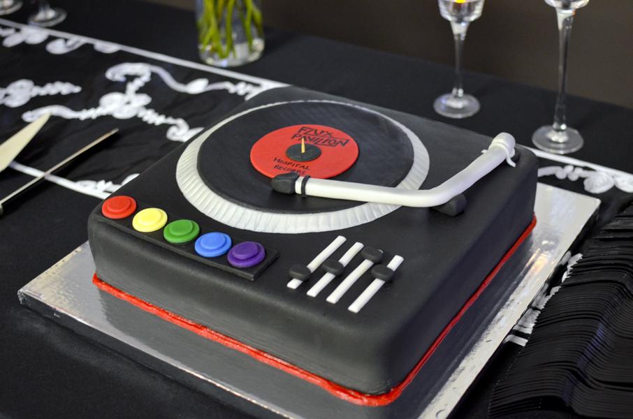 Terrific 8 Simple Dj Cakes Photo Dj Birthday Cake Designs Dj Turntable Personalised Birthday Cards Cominlily Jamesorg