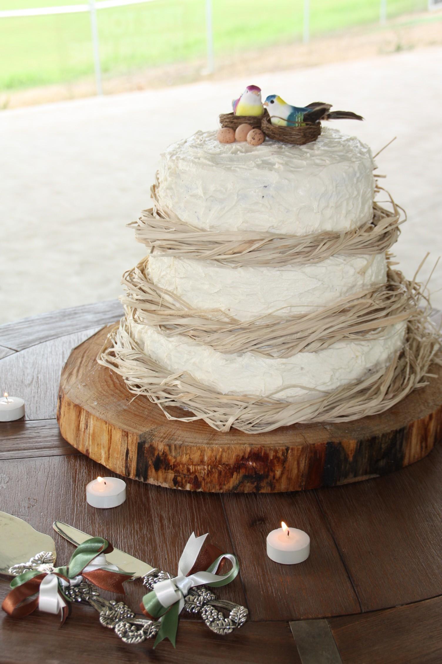 Unique Rustic Themed Wedding Adornment - The Wedding Ideas ...