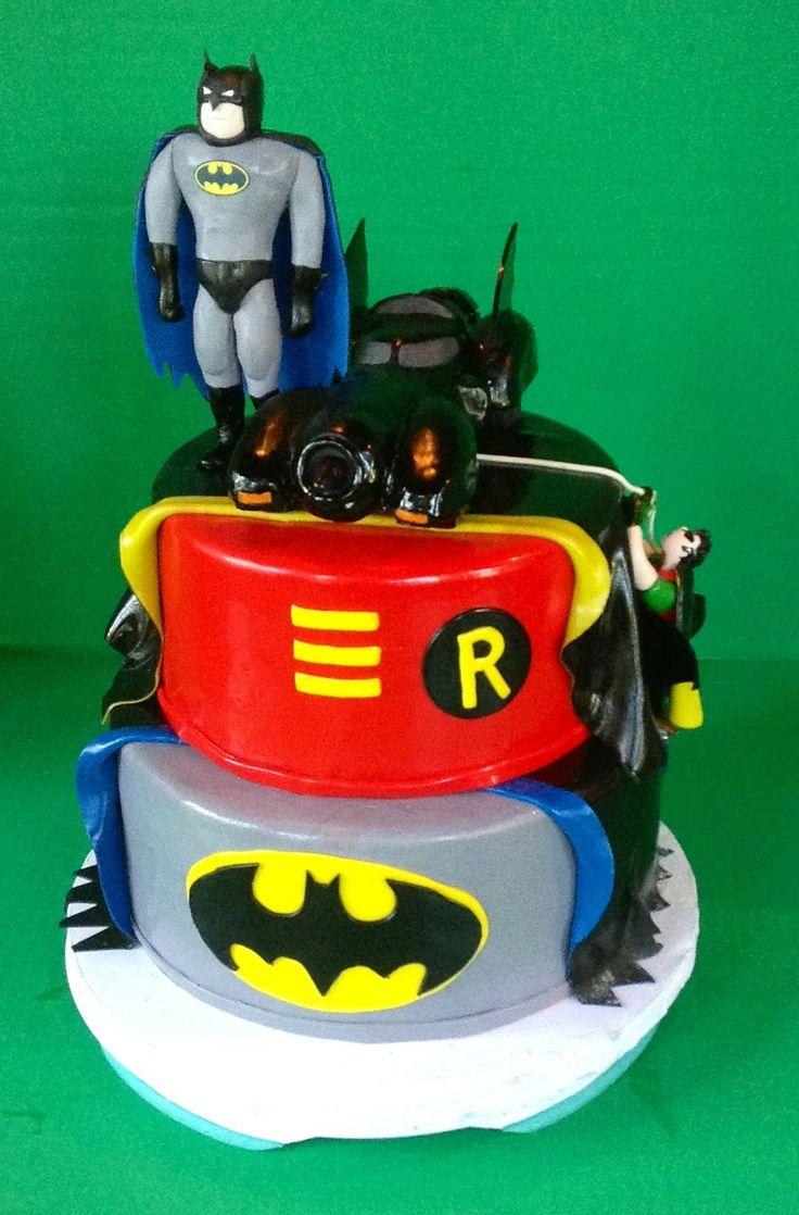 Phenomenal 12 Batman And Robin Cakes Photo Batman And Robin Birthday Cake Personalised Birthday Cards Vishlily Jamesorg