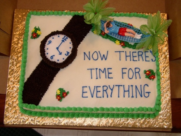 What To Put On A Retirement Cake
