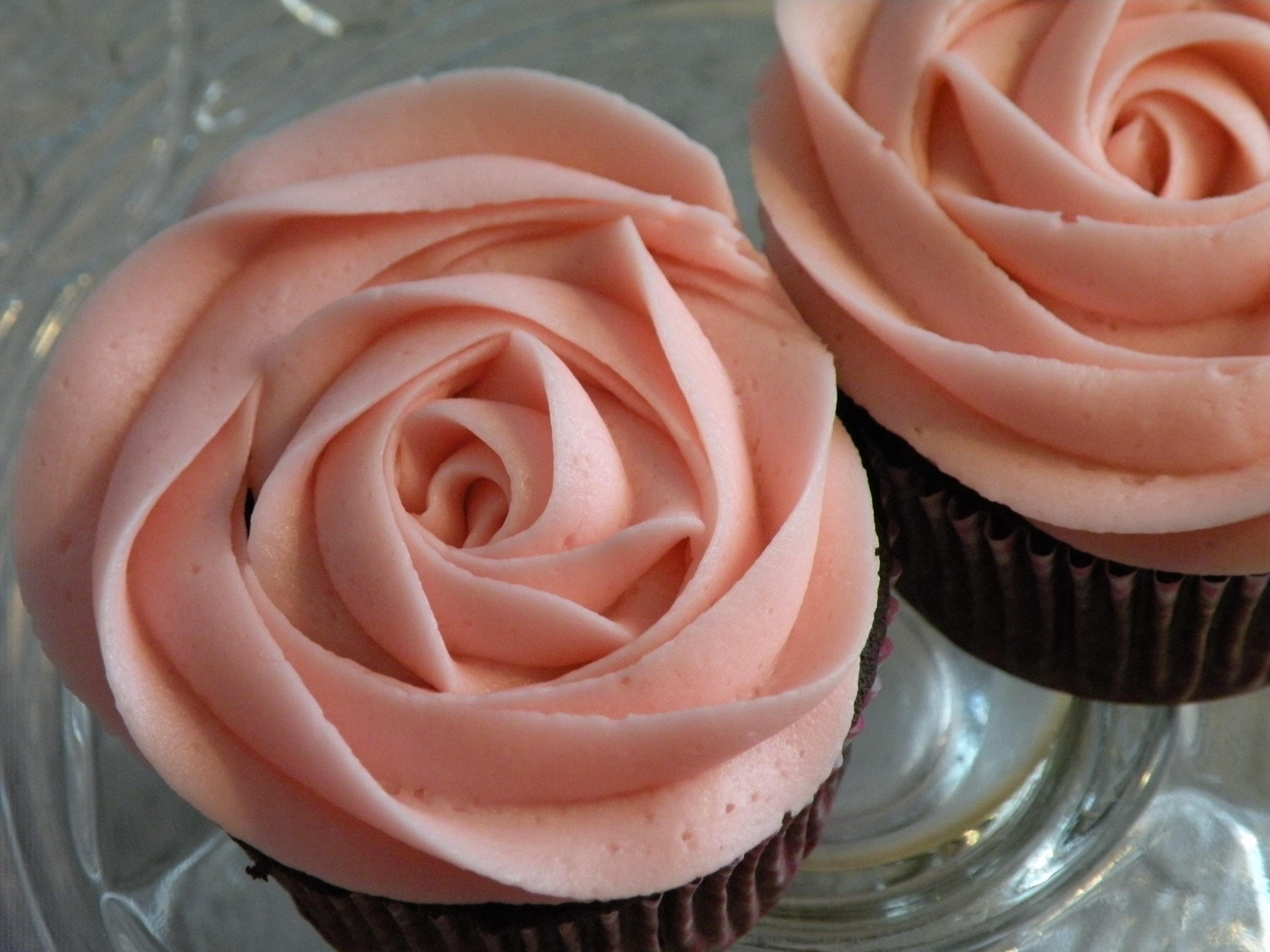 11 Buttercream Rose Cupcakes Photo Simple Buttercream Rose