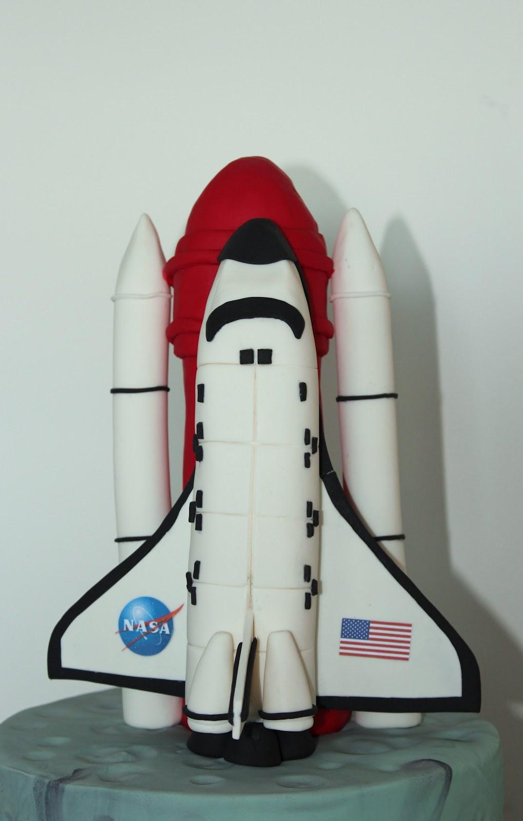 Amazing 5 Aeronautical Engineer Cakes Photo Space Shuttle Birthday Cake Personalised Birthday Cards Vishlily Jamesorg