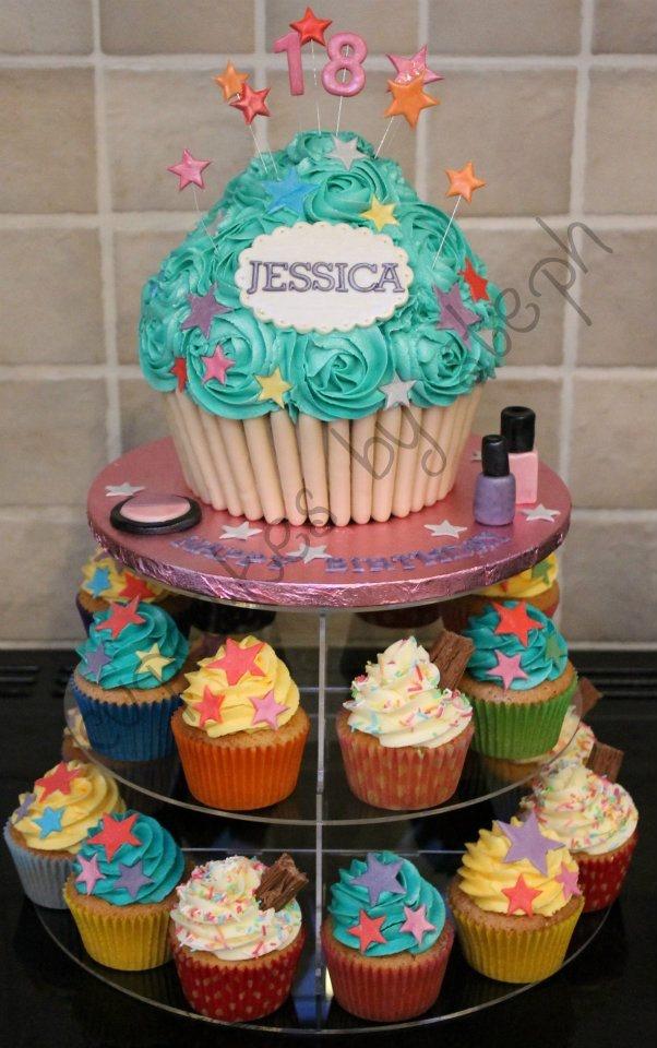 Admirable 9 Birthday Cake With Cupcakes Design Ideas Photo Birthday Funny Birthday Cards Online Barepcheapnameinfo