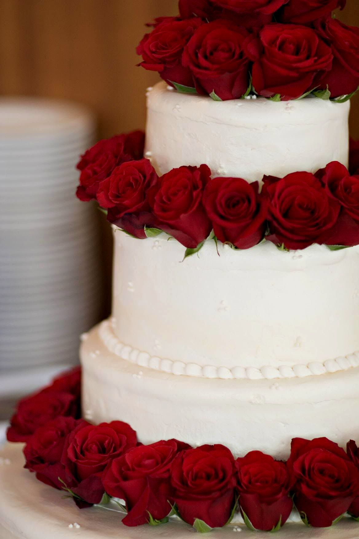10 Withe And Red Wedding Cakes 2016 Photo Red And White Wedding