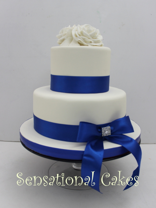 9 Simple Blue And White Wedding Cakes Photo Blue And White Wedding