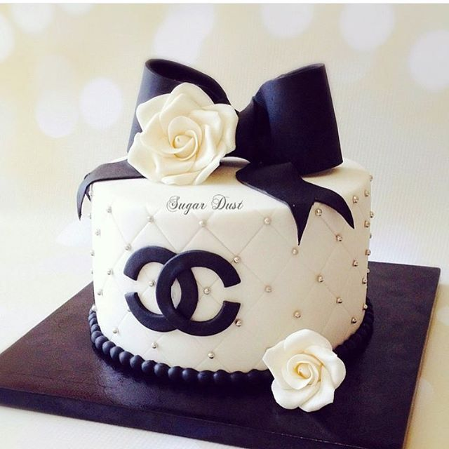 7 Channel Cakes Fondant Photo Coco Chanel Cake Chanel Birthday