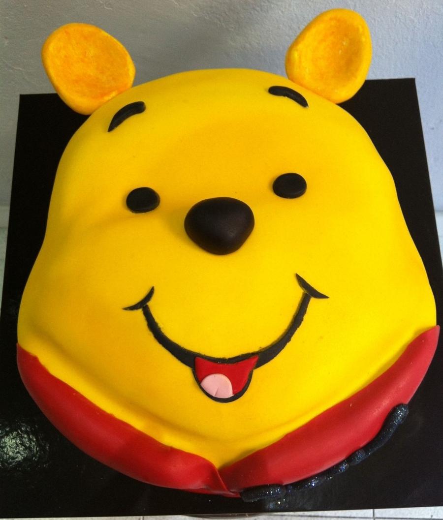 Winnie The Pooh Face Cake