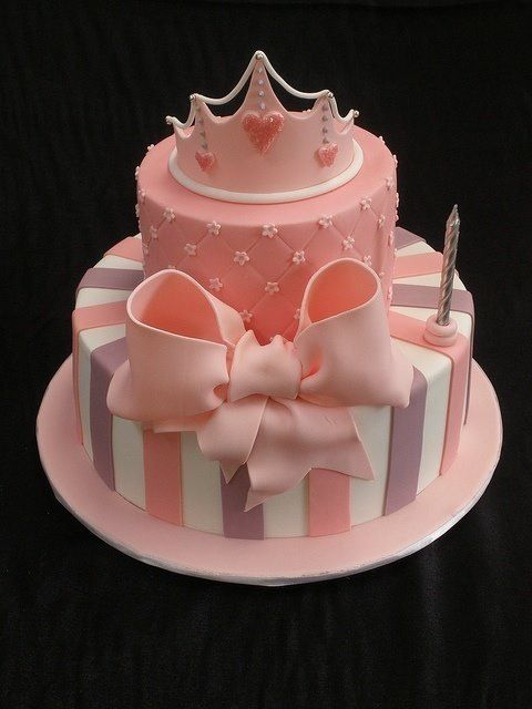 7 1 Year Old Princess Birthday Cakes Photo 1 Year Old Little Girl