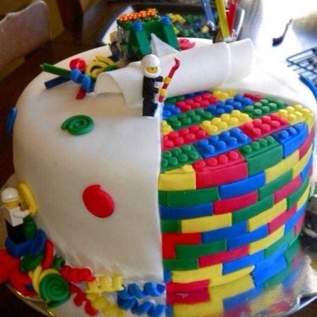 Pleasing 12 Awesome Boy Cakes Photo Cool Lego Cake Cool Shark Cakes Funny Birthday Cards Online Hendilapandamsfinfo