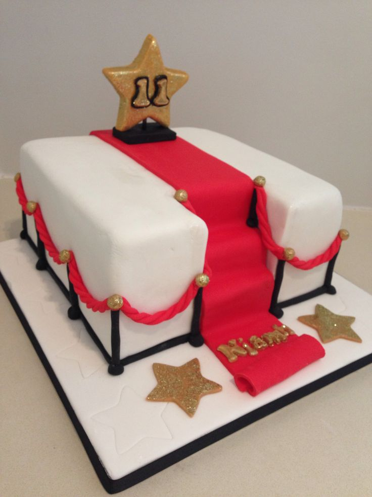 Red Carpet Hollywood Cake Idea