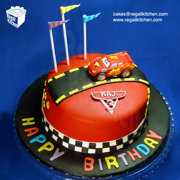 Astounding 11 2 Lightning Mcqueen Cakes Photo Cars 2 Lightning Mcqueen Cake Personalised Birthday Cards Veneteletsinfo