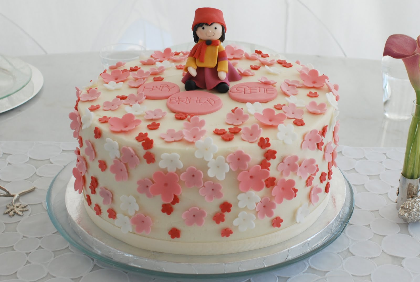 Strange 6 All Korean Cakes Photo Korean Birthday Cake South Korean Funny Birthday Cards Online Elaedamsfinfo