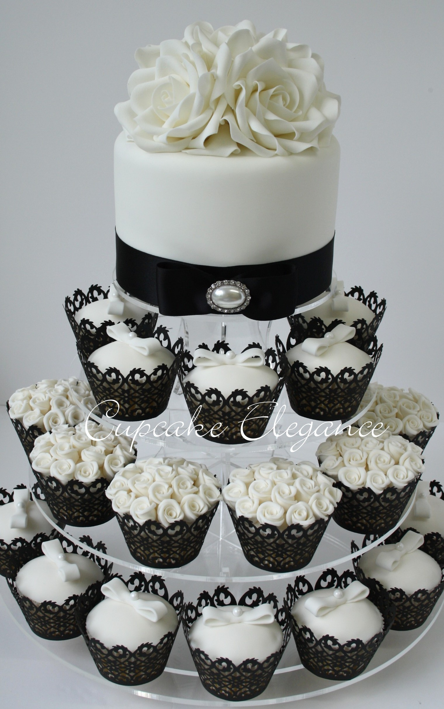 12 Black And White Wedding Cupcakes With Liners Photo Black And
