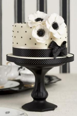 7 Small Black And White Cakes Photo Black And White Wedding Cake
