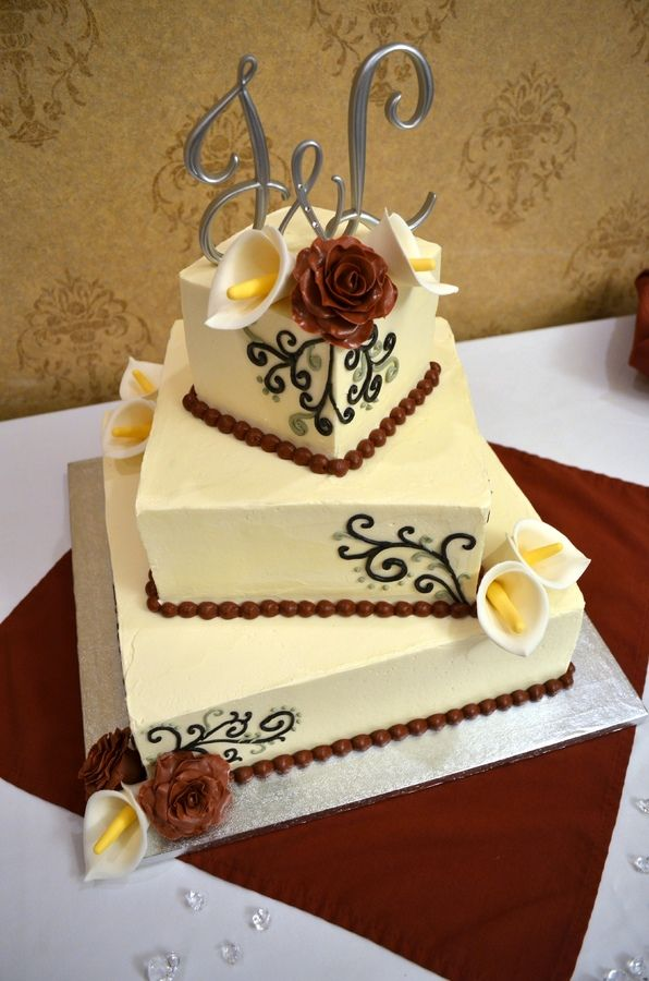 7 Cream Burgundy And Gold Wedding Cakes Photo - Burgundy and Gold ...