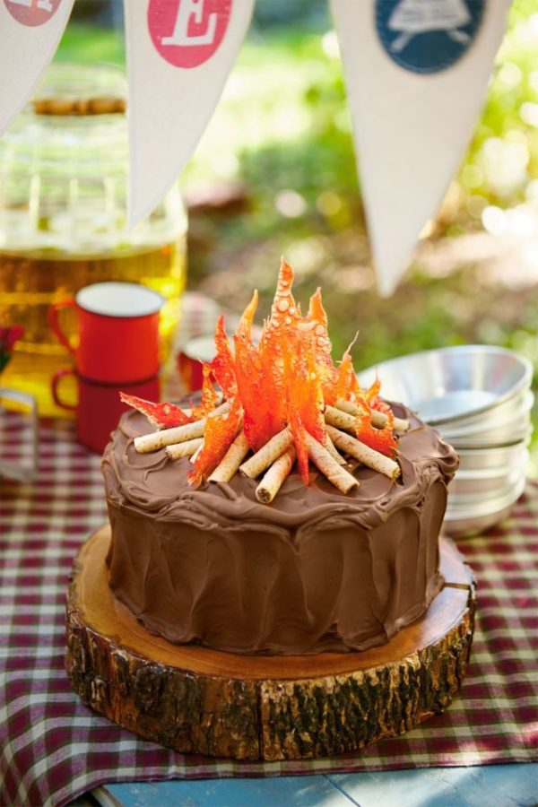 Sensational 6 Awesome Summer Birthday Cakes Photo Pool Party Cake Hawaiian Birthday Cards Printable Nowaargucafe Filternl